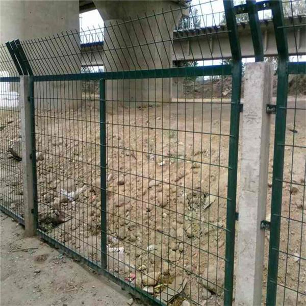 铁路隔离防护栅栏生产厂家_厂家直销铁路隔离防护栅栏