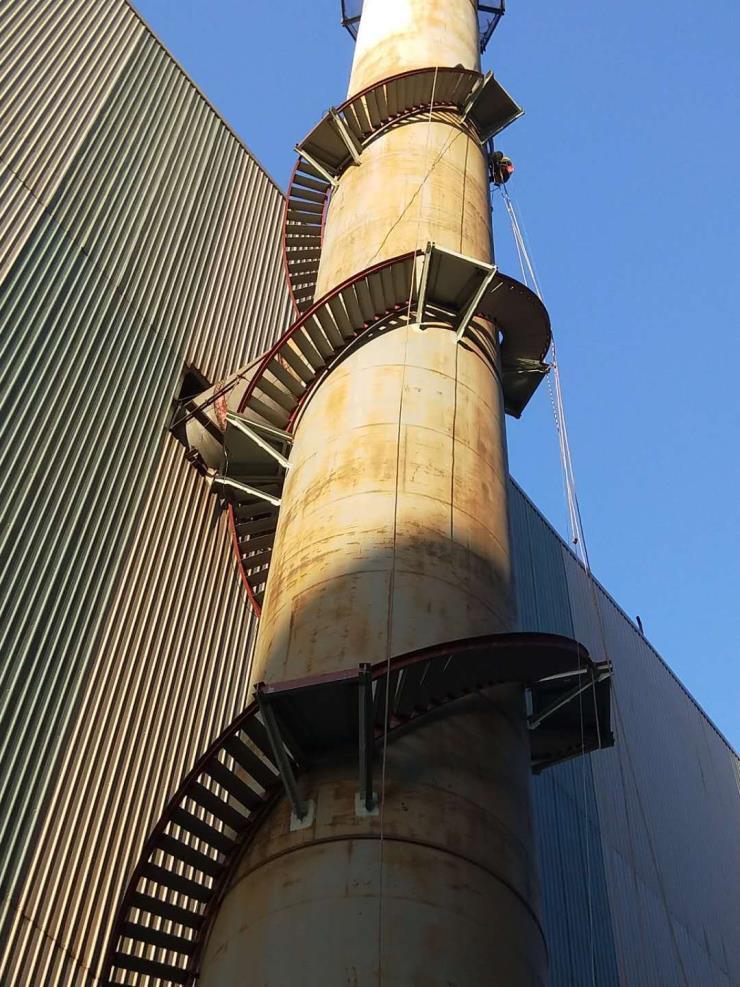 大连烟囱安装转梯平台公司√施工劲旅丨施工方法