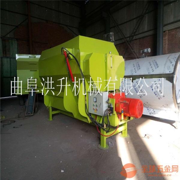 滨州青草饲料撒料车机械化养殖喂料车