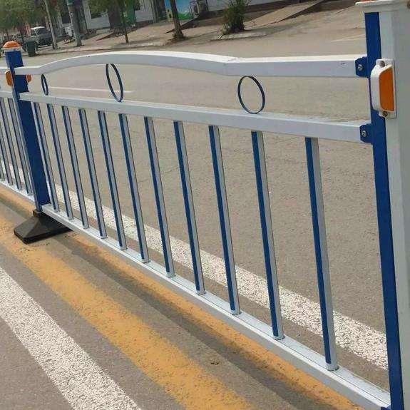 安平县国凯护栏网厂主营市政-公路-锌钢护栏网
