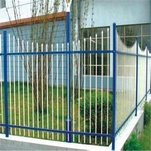 安平县国凯护栏网主营锌钢-草坪-市政-公路护栏网