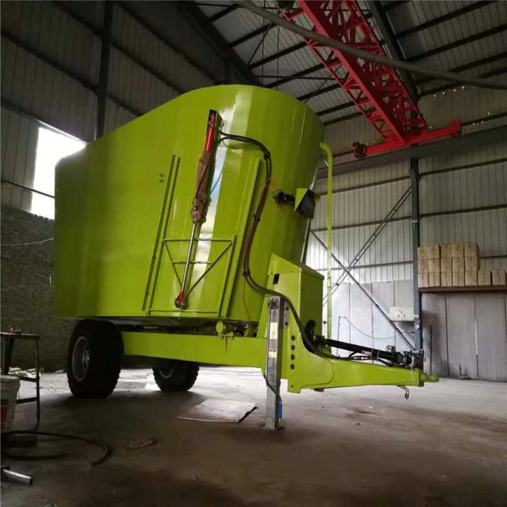 拖拉机带动TMR搅拌机 牵引式固定式拌料机
