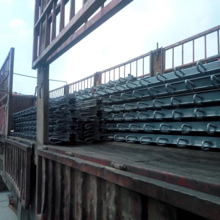 东营河口区梳齿板伸缩缝大量供应