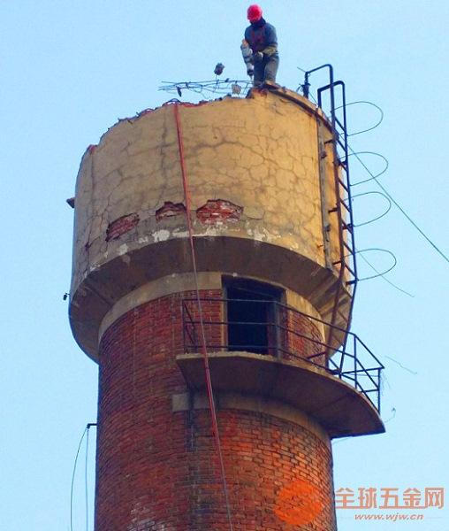 新闻:沂州水塔定向拆除不慎操作带来的影响