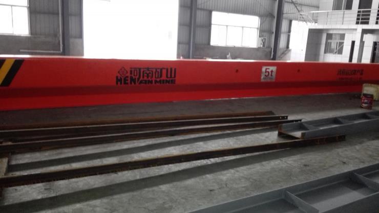【矿山集团】√A型25吨双梁吊钩门式起重机新闻