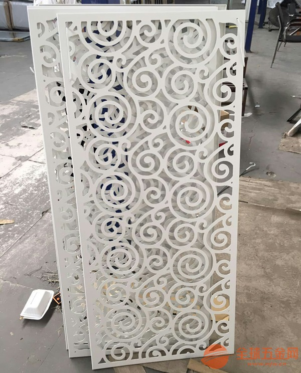 供应广东铝窗花、屏风隔断、雕花铝板厂家