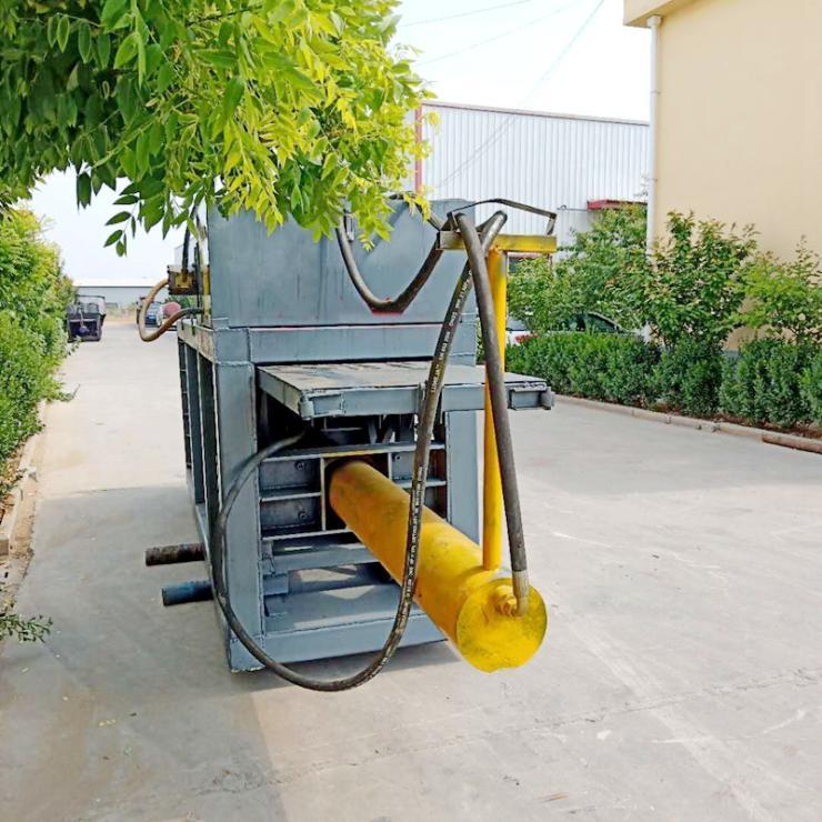 雙杠拖拉機帶動雙筒玉米脫粒機廊坊雙杠拖拉機帶動雙筒玉