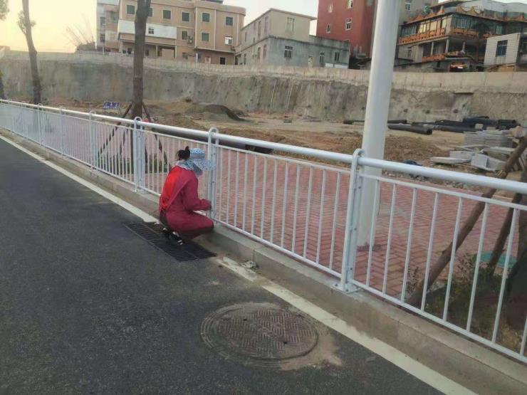 福州人行道护栏生产 福州人行道护栏安装
