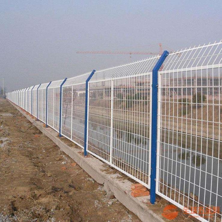 喀什草坪护栏网批发厂家