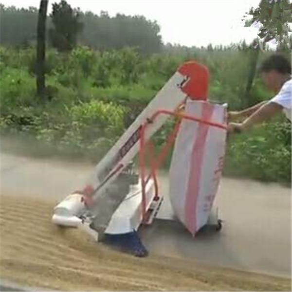 永濟自走式收谷裝袋機