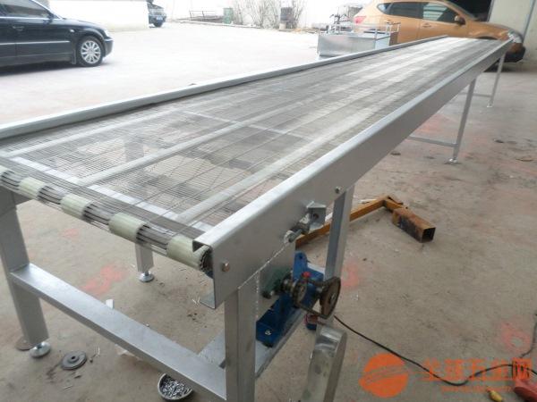 爬坡网带输送机批量加工水平直线输送