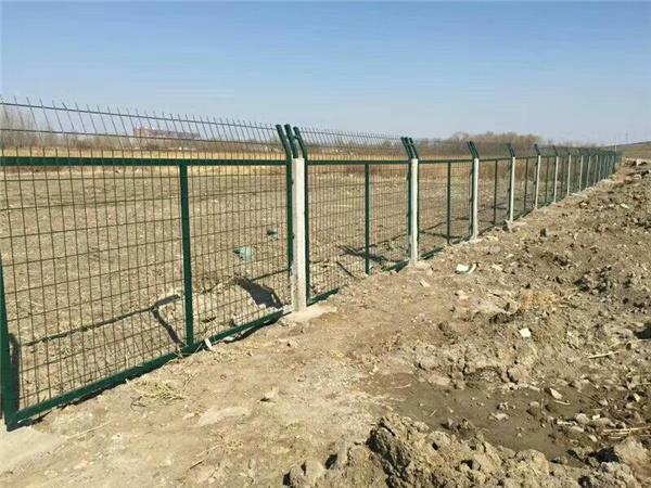 铁路线路防护栅栏图集_金属网片铁路防护栅栏