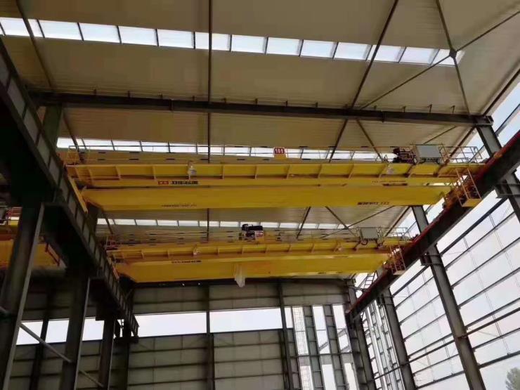 樂山梁場提梁機:衛華90噸梁場提梁機