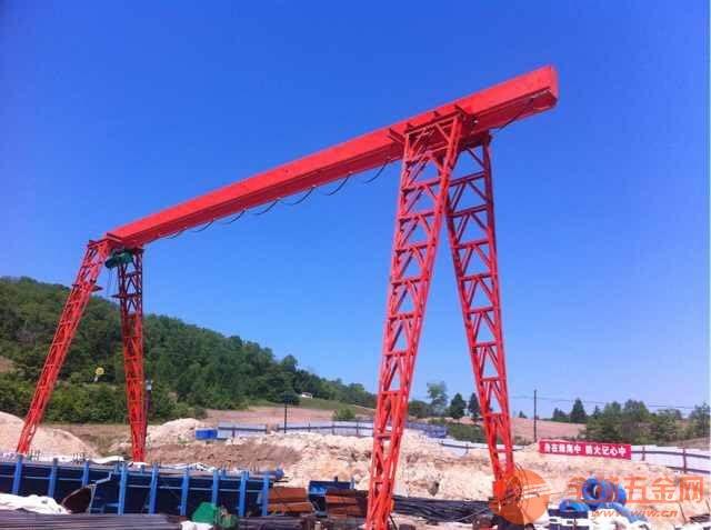 鹤岗工农二手桥式起重机30吨龙门吊【回收多少钱】