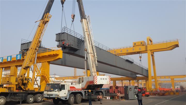 新竹冶金起重机:160吨梁场架桥机