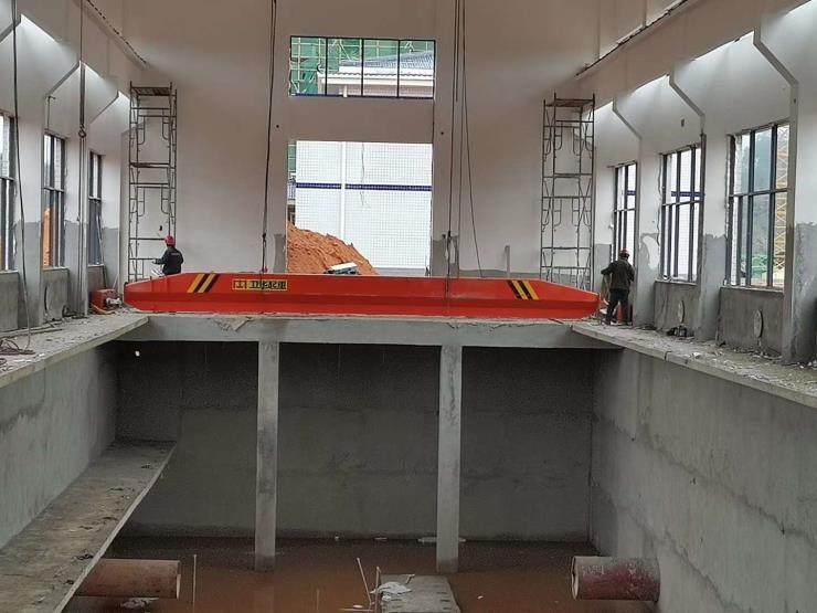 甘南吸盤橋起重機:100+100噸梁場提梁機