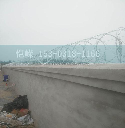 临汾金属网片防护栅栏生产厂家--安装教程