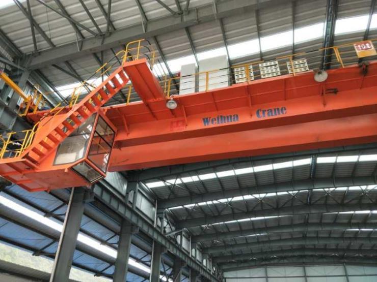 【卫华集团】:16吨液压登车桥重量轻