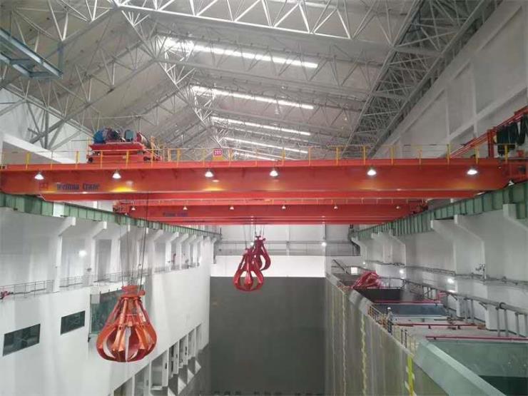【卫华起重】:梁场用32吨平衡梁龙门吊公司接待人