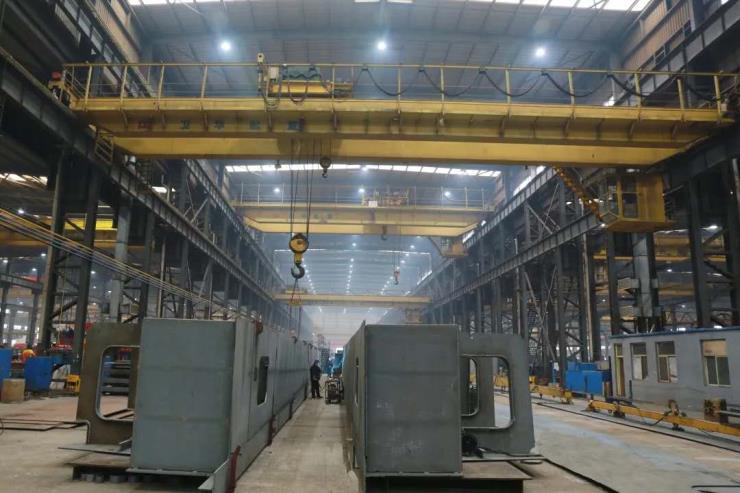 300吨跨度22.5米电动葫芦双梁起重机√【河南卫华