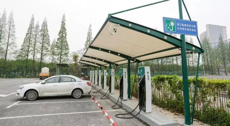 浦東新區拉桿式車棚造價多少錢