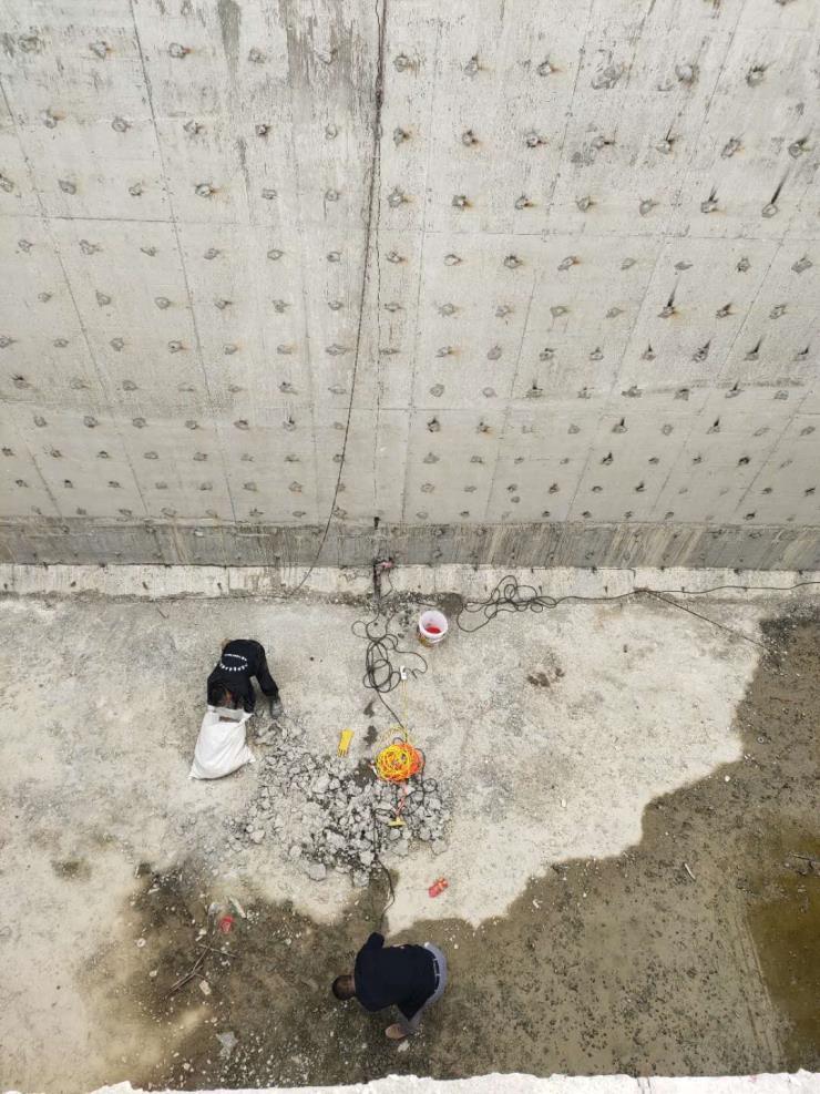 日照污水池堵漏应该怎么补漏价格报价施工方案