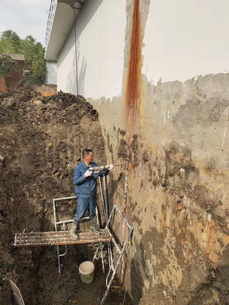 驻马店市涵洞沉降缝堵漏带水高压注浆堵漏