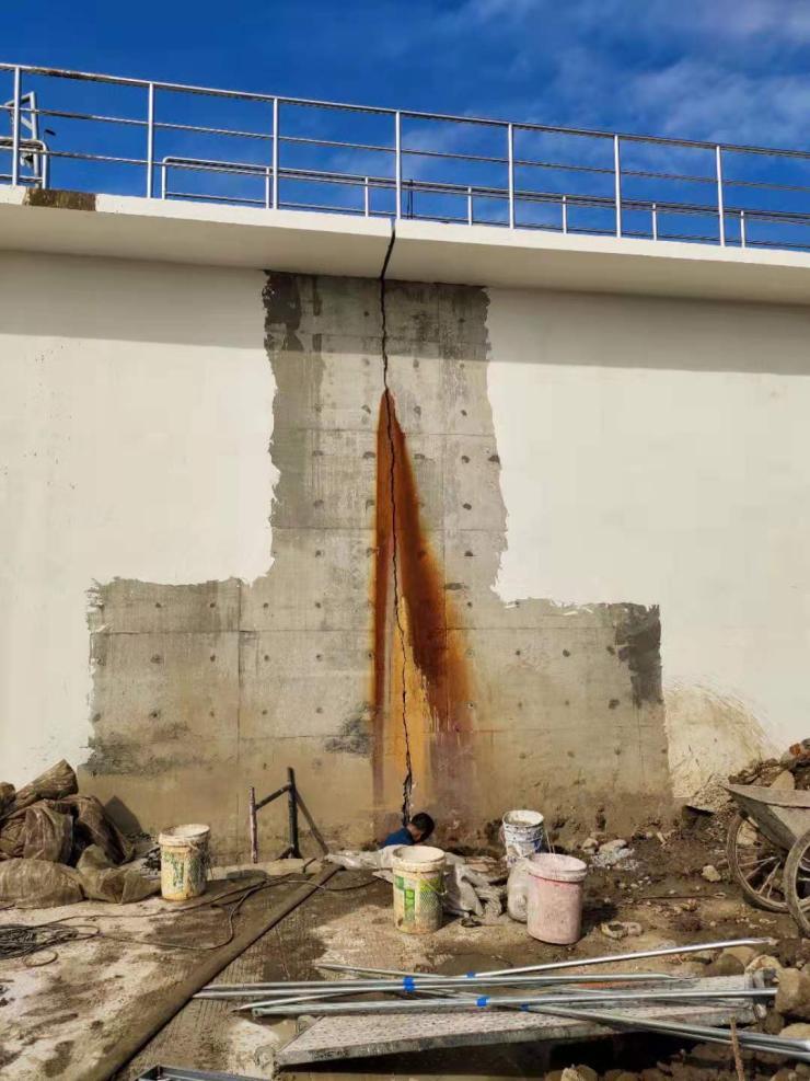 駐馬店市涵洞沉降縫堵漏帶水高壓注漿堵漏