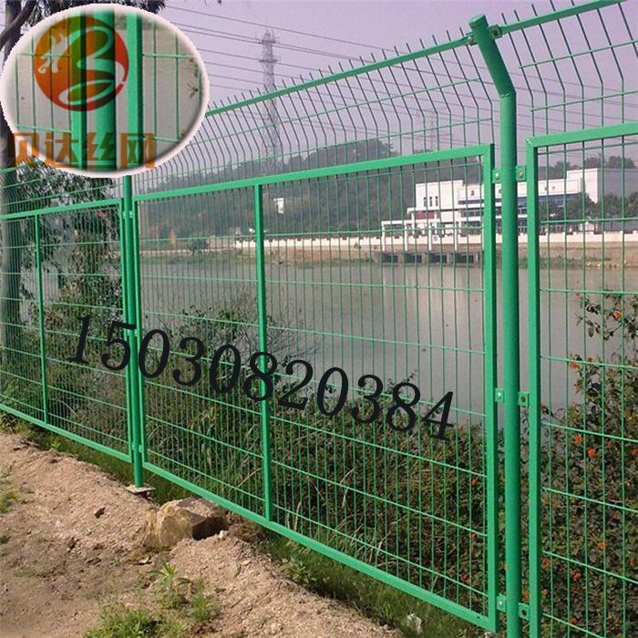圈地双边护栏预埋护栏土地用护栏网厂家直销