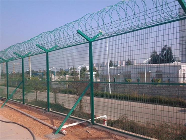 贝达铁丝围栏双边丝圈地护栏网道路隔离网