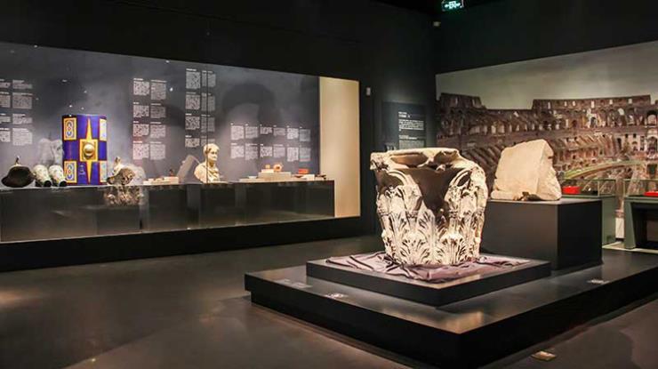 金属博物馆展馆厂家-打造各种造型样式精品展柜