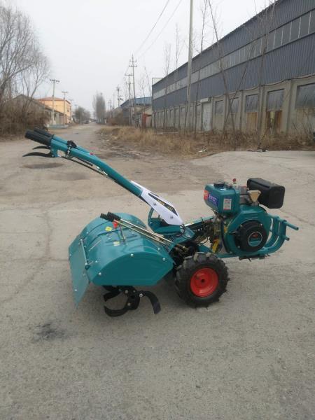新型四驱微耕机 自走式微耕机大棚旋耕机现货批发
