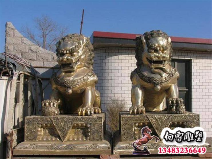 铸铜羊雕塑,铜雕羊动物雕塑订制厂家