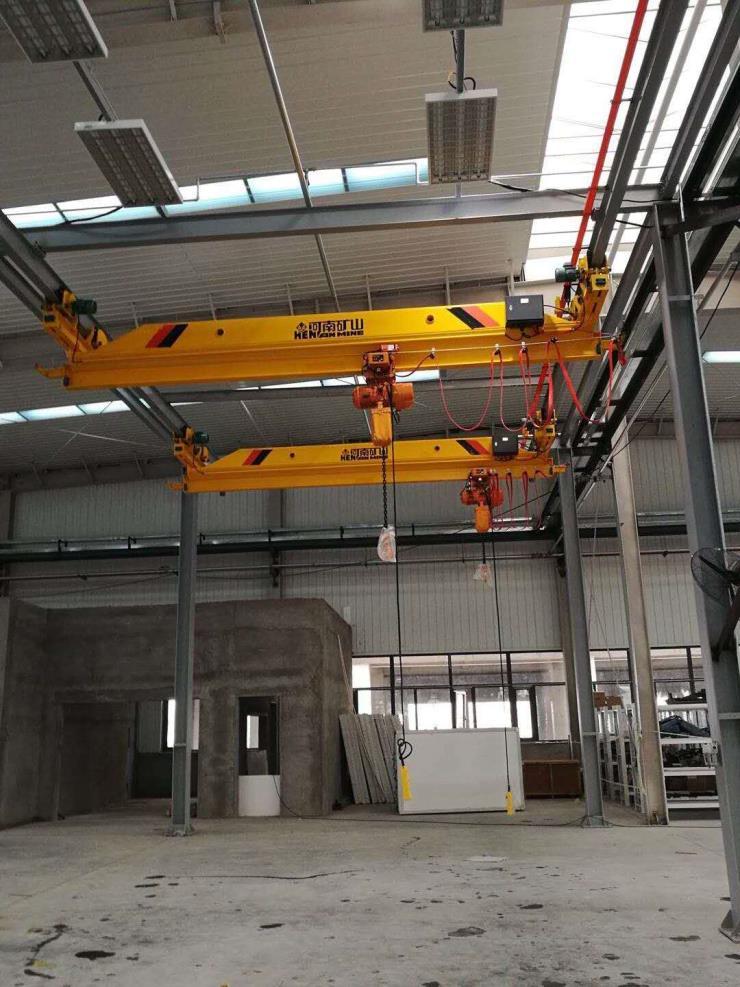 1噸跨度22.5米雙梁門式起重機√河南省礦山總公司考