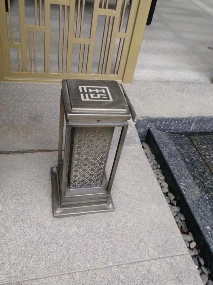 不锈钢青古铜拉丝灯箱定制厂家直销