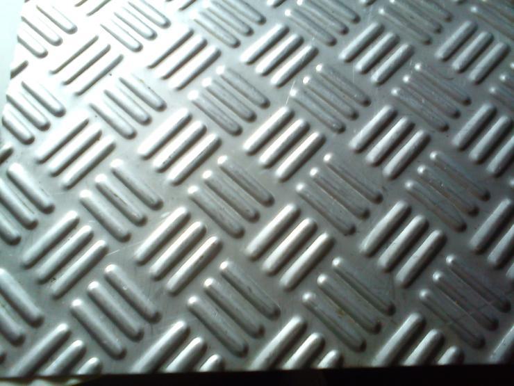 不锈钢钛金防滑板厂家直销