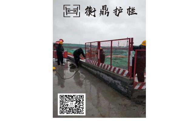 太原白红相间工地基坑围栏临边防护栏