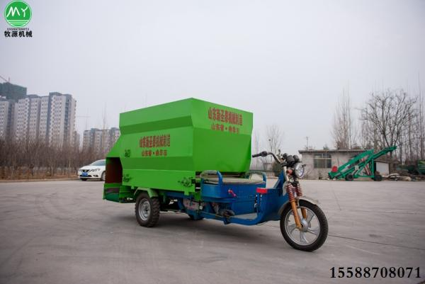 潮安县牛羊撒料车生产厂家