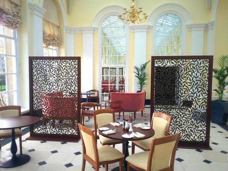 铝合金窗花四方管隔断雕花铝窗花造型艺术墙