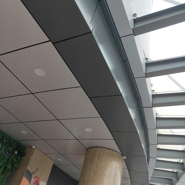 酒店入户雨棚包钢架铝板 吊顶铝板 灰色铝单板