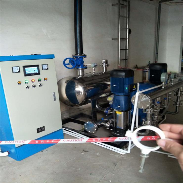抚顺一用一备供水设备 5.5kw运作