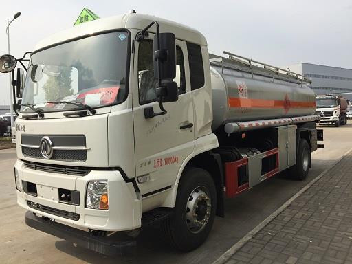 清倉低價供應東風12噸加油車,支持定做選裝