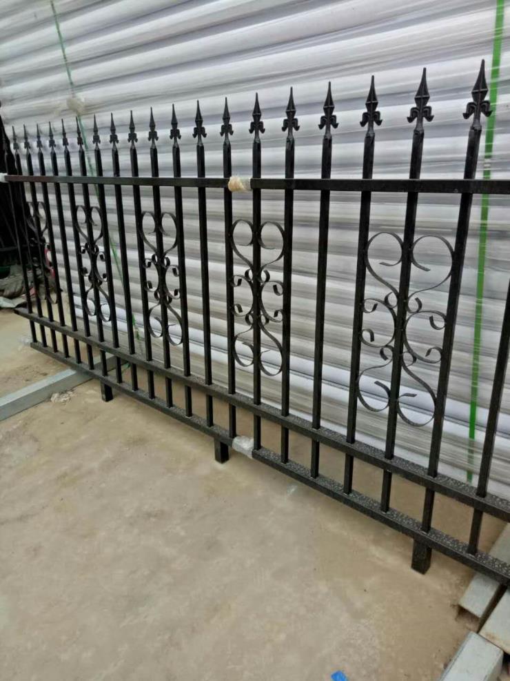蚌埠鋅鋼圍墻欄桿安裝方法