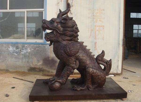 青銅麒麟雕塑 來圖定制大型麒麟廠家