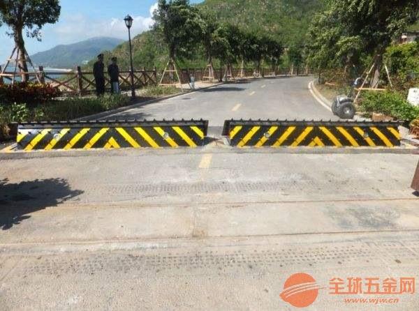 重庆翻板液压翻板路障机厂家直销品质保障
