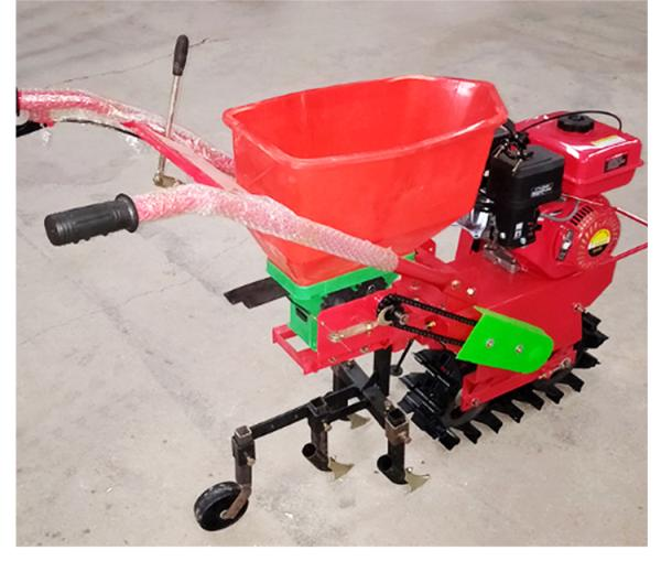 新型履帶微耕機耗油低功能多