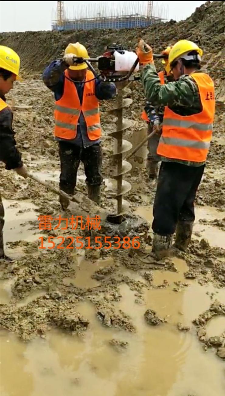小型挖坑机打响机械化技术新战役