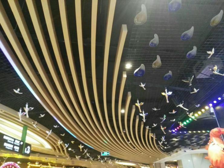 晉中裝飾造型鋁方通吊頂