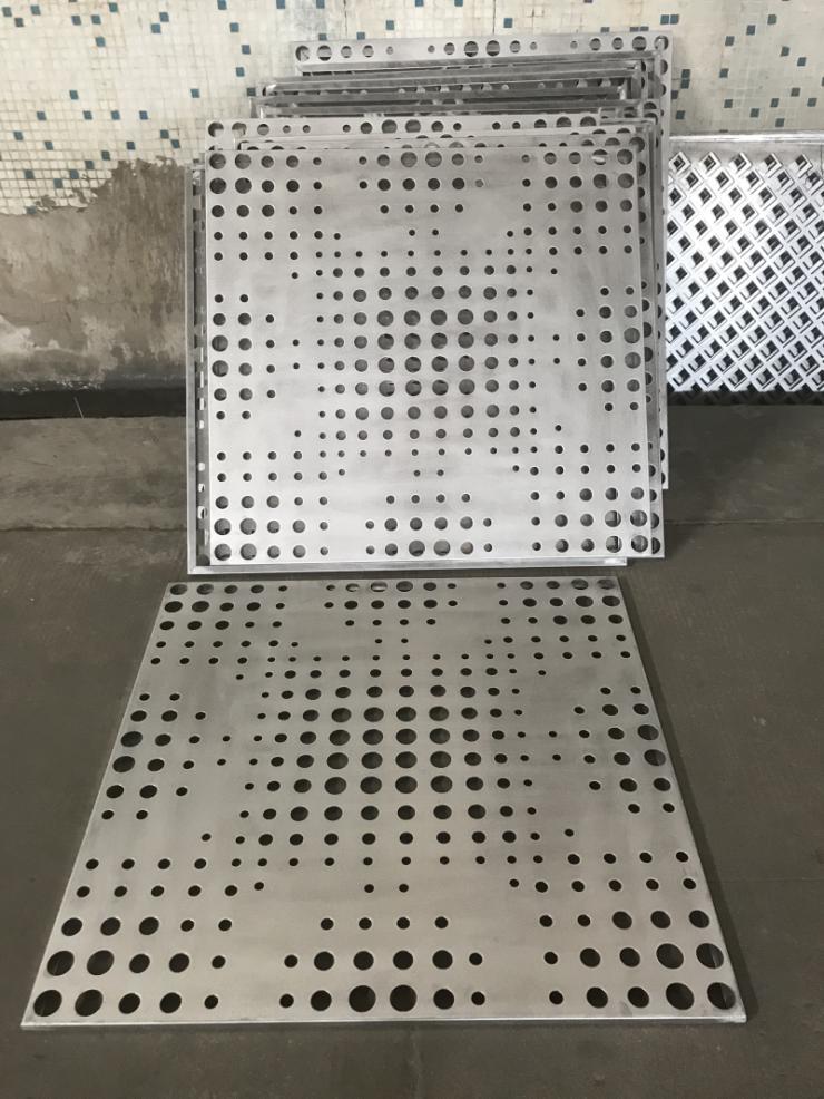 上海透光包柱铝单板造型厂家