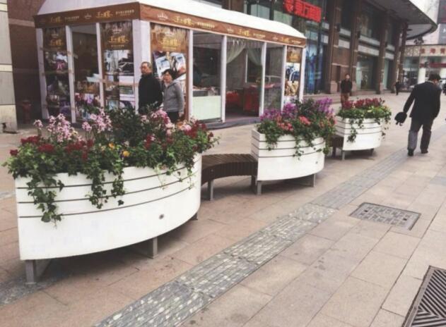 西安白色街道花箱 pvc微发泡花箱 马槽花箱 陕西木塑花箱